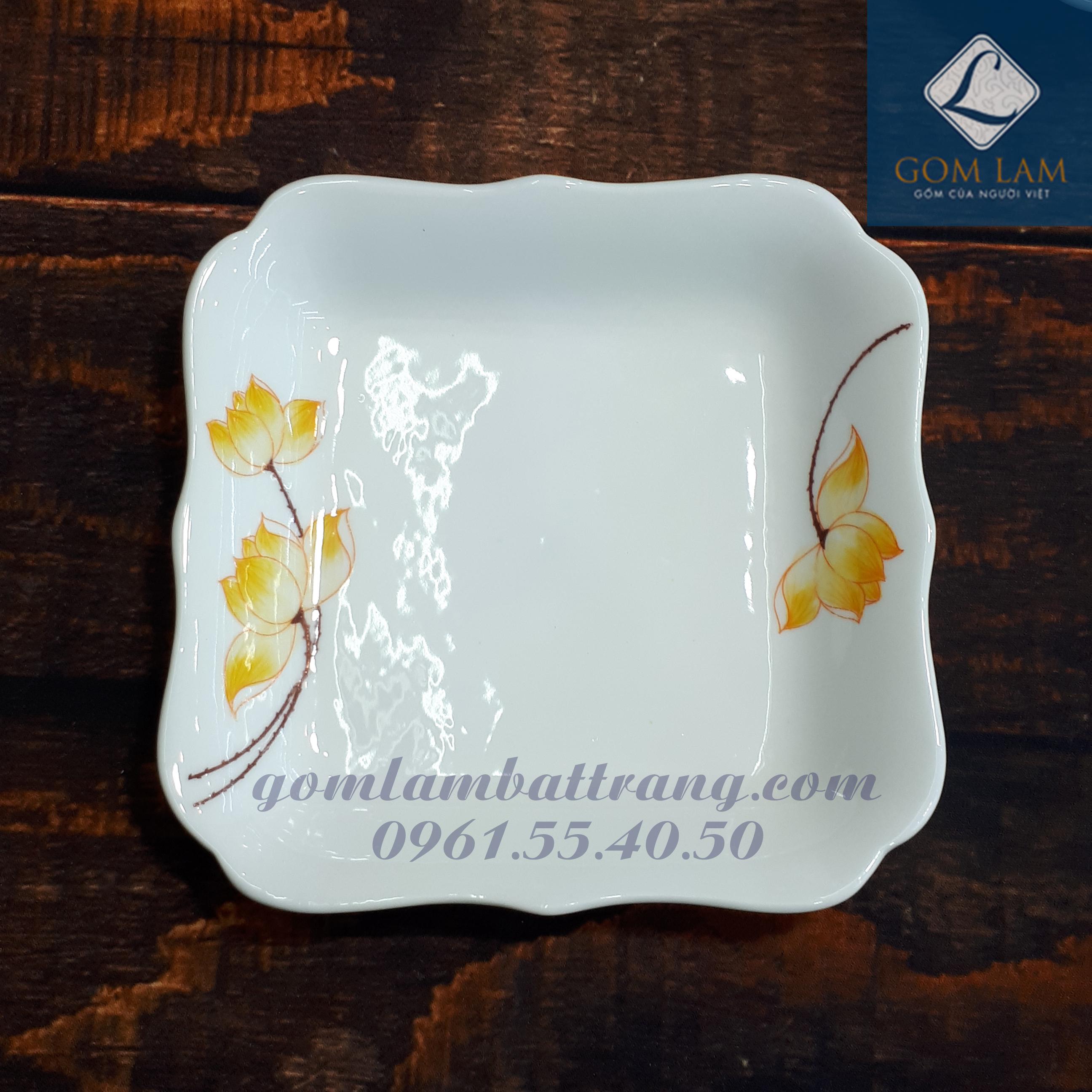 Đĩa vuông lượn sen vàng cạnh 20cm