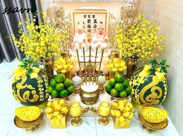 Tư vấn cách chọn đồ thờ và bài trí bàn thờ Thần Tài