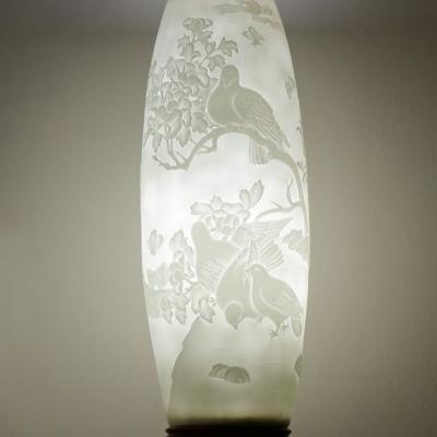 Đèn sứ thấu quang GLAM Trụ trắng Khắc Nổi Chim