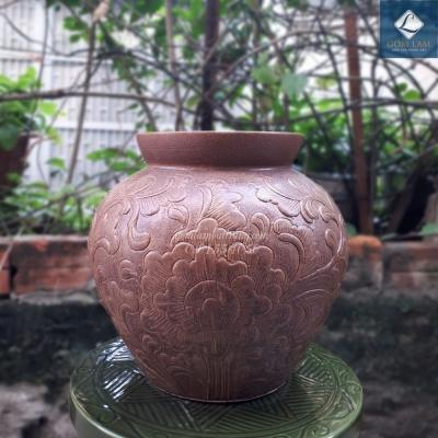Lọ hoa khắc nổi vò tròn loe nâu
