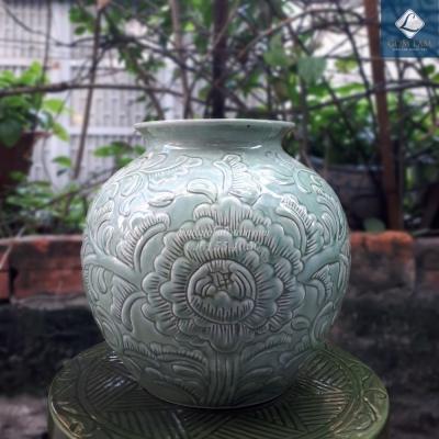 Lọ hoa khắc nổi Vò tròn xanh ngọc