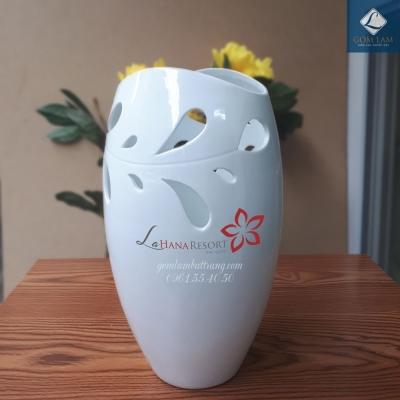 Lọ hoa Sứ trắng Miệng cá S1 in Logo