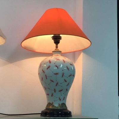 Đèn ngủ bình sứ vẽ chuồn đỏ có chao bọc đồng