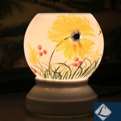 Đèn xông tinh dầu tròn to vẽ hoa